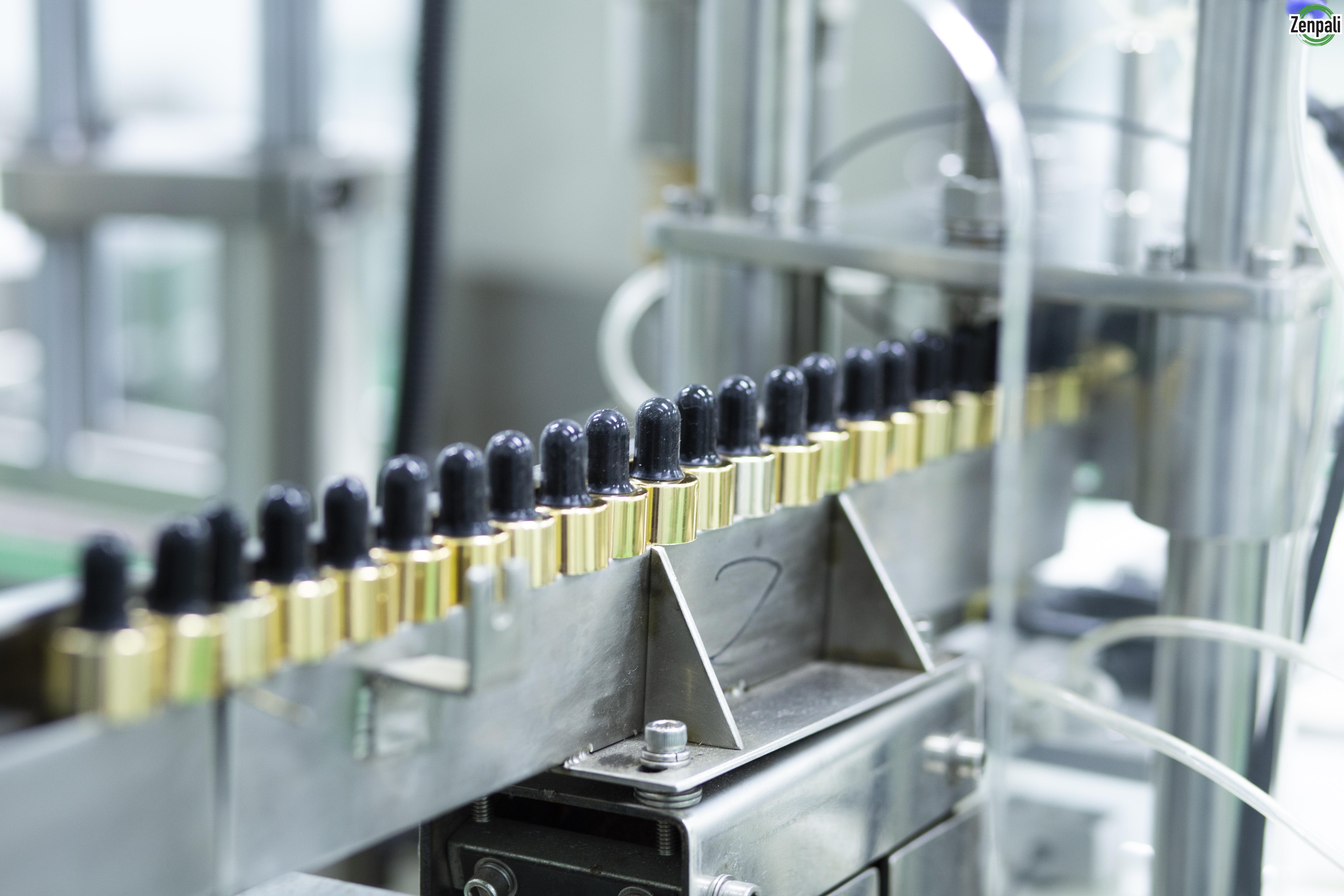 Các trang thiết bị máy móc sản xuất tại Zenpali Group đều đạt GMP.