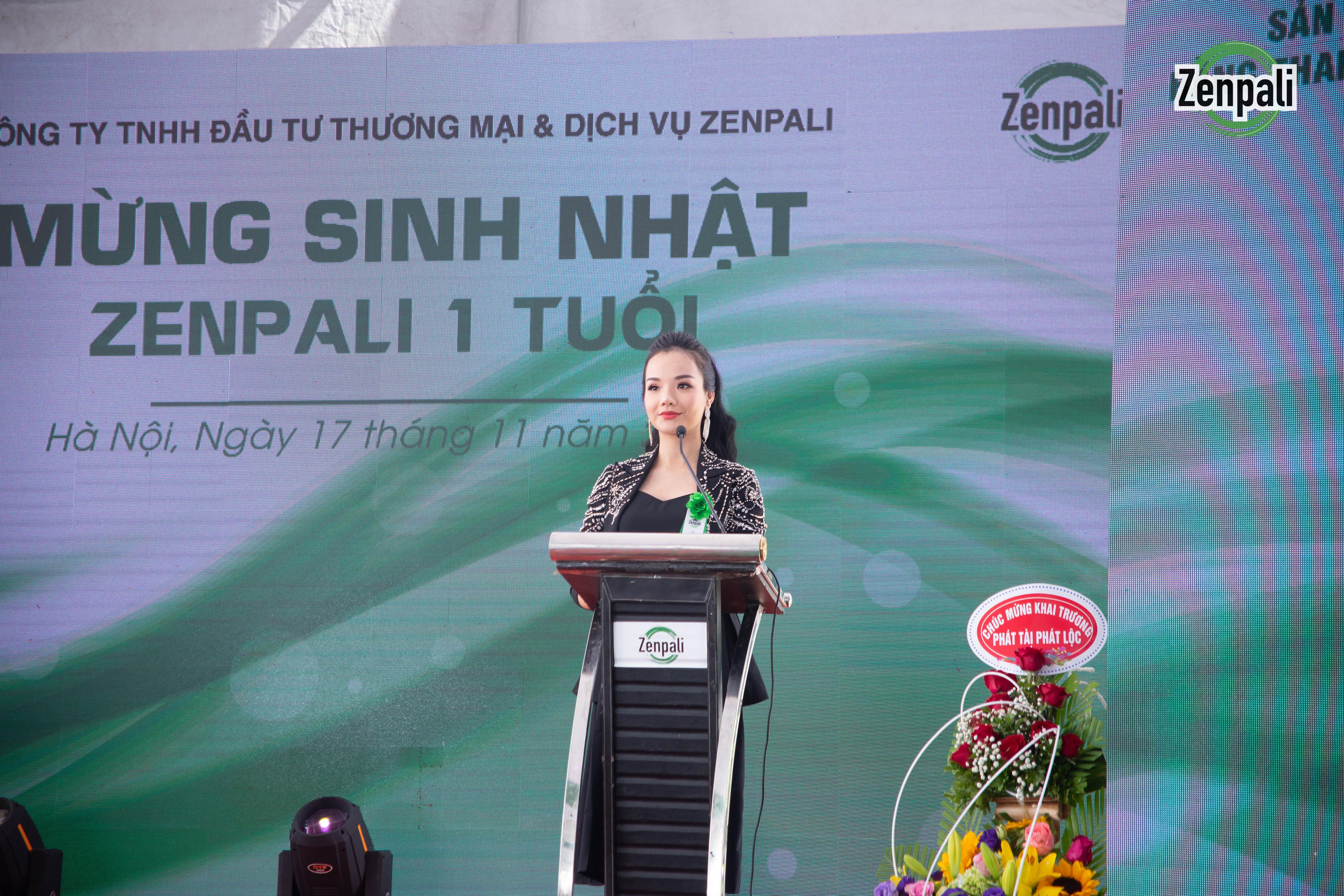 Bà Phan Thị Thủy Tiên phát biểu tại lễ khánh thành nhà máy mỹ phẩm Zenpali