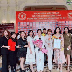 Bà Phan Thị Thủy Tiên - Giám đốc công ty nhận bằng và tại sự kiện